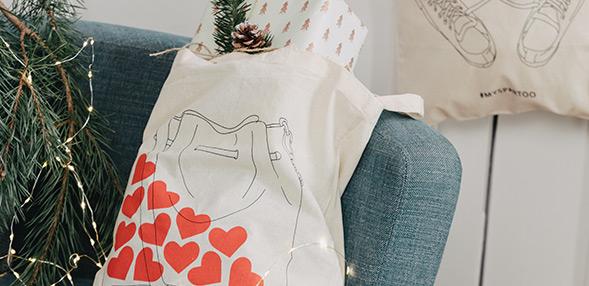 Sbírejte jeden z našich ilustrovaných  tote bags!